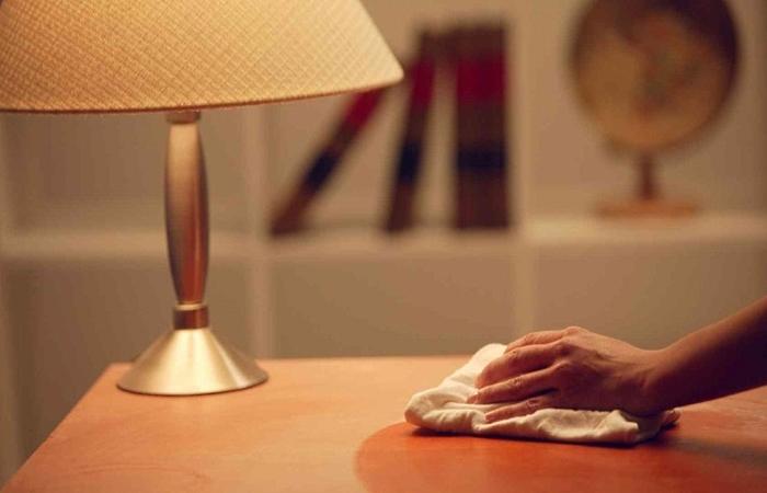Догляд за полірованими меблями