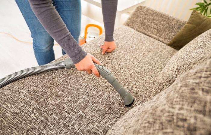 Догляд за тканинними меблями